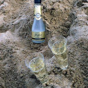 beach-champagne